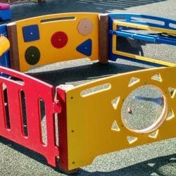 Infant Play Area, 5 Panels + Gate
